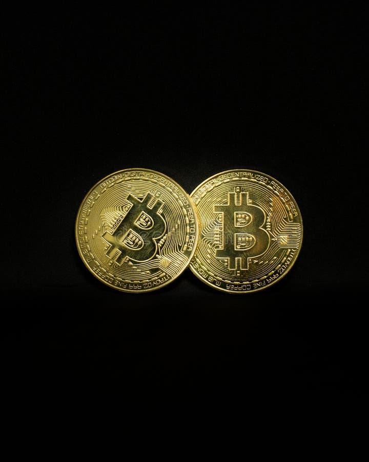 Bitcoin metallkopia i studio fotografering för bildbyråer