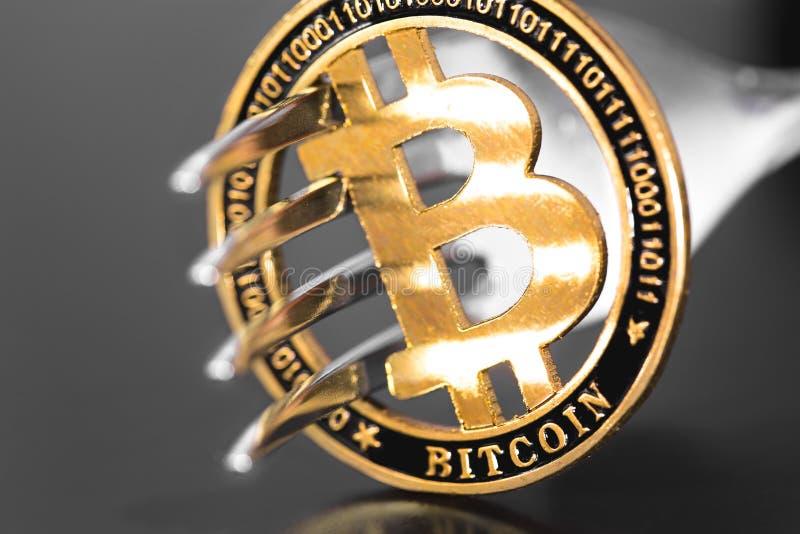Bitcoin metalu rozwidlenie i moneta zdjęcia royalty free