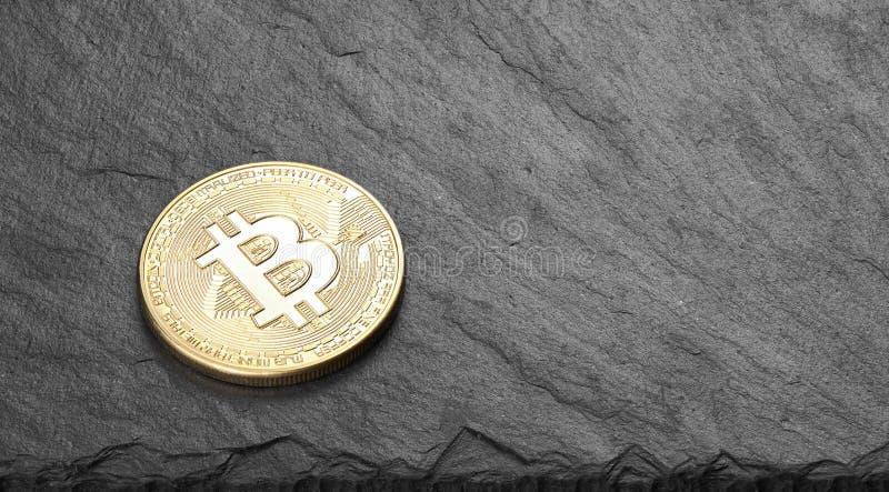 Bitcoin Moneda de bit física Moneda digital Criptodivisa foto de archivo libre de regalías