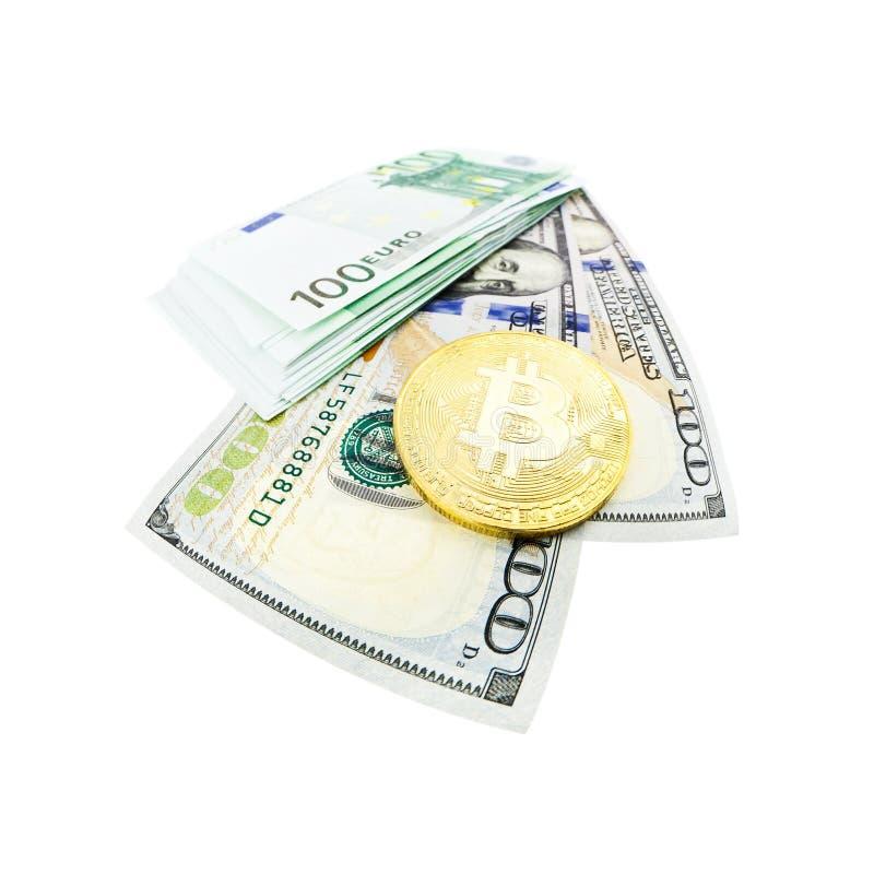 Bitcoin moneta i sto dolarowi rachunków fotografia stock