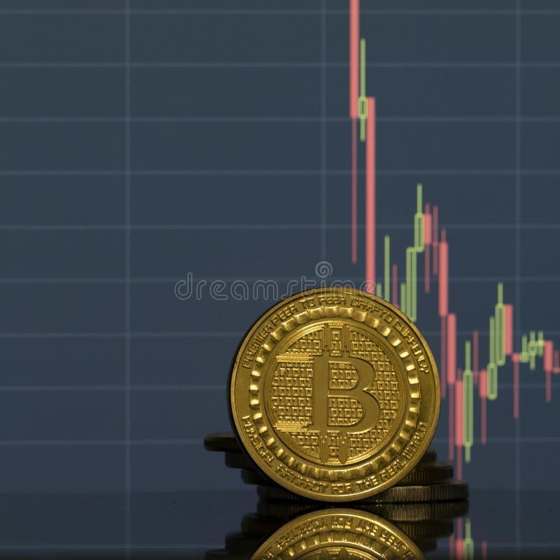 Bitcoin moneta na tło grafika w górę zdjęcie royalty free