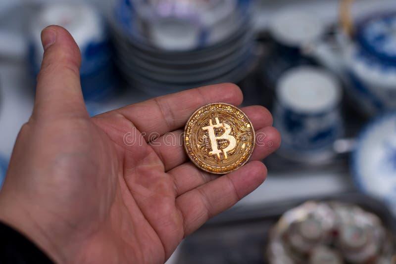 Bitcoin nel mercato all'aperto del Vietnam immagini stock libere da diritti