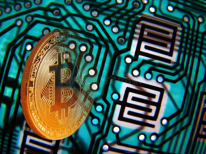 Bitcoin och digital pcb-bakgrund arkivbild