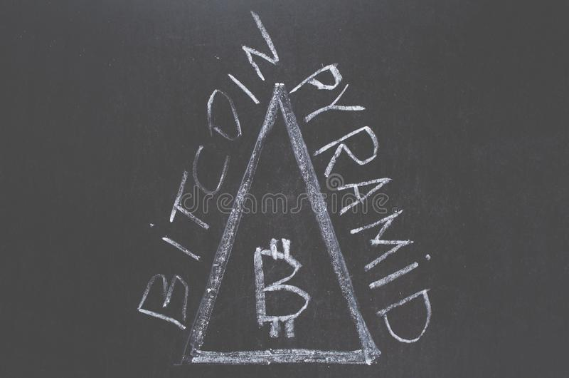 Bitcoin pyramid royaltyfri bild