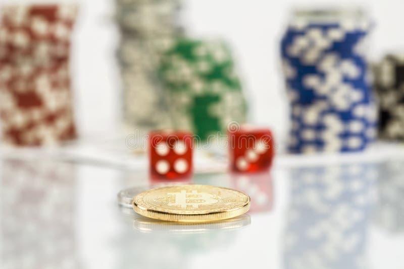 Bitcoin uprawia hazard grę z grzebaków układami scalonymi zdjęcia stock