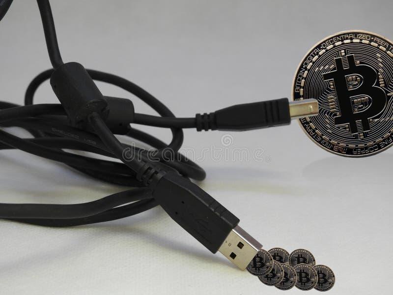 Bitcoin verbonden USB stock foto