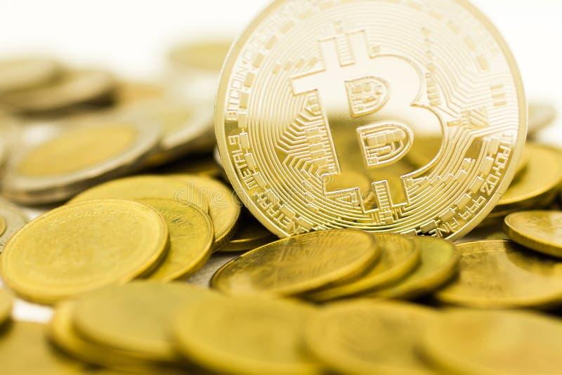 Bitcoin waluta w postaci cyfrowego Cryptocurrency, być pośredniczką w wymianie towary i usługi zdjęcie royalty free