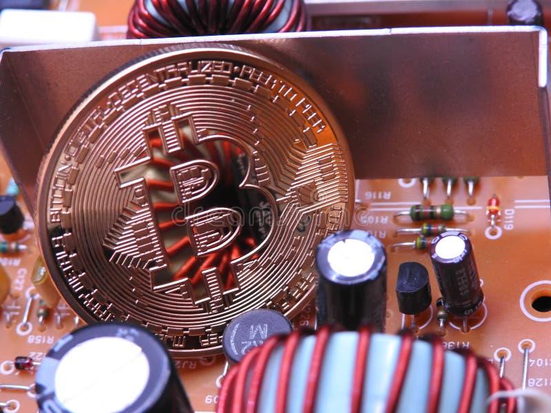 Bitcoin y componentes del tablero de poder fotografía de archivo libre de regalías