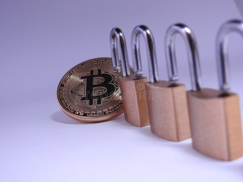 Bitcoin y lockchain fotos de archivo libres de regalías