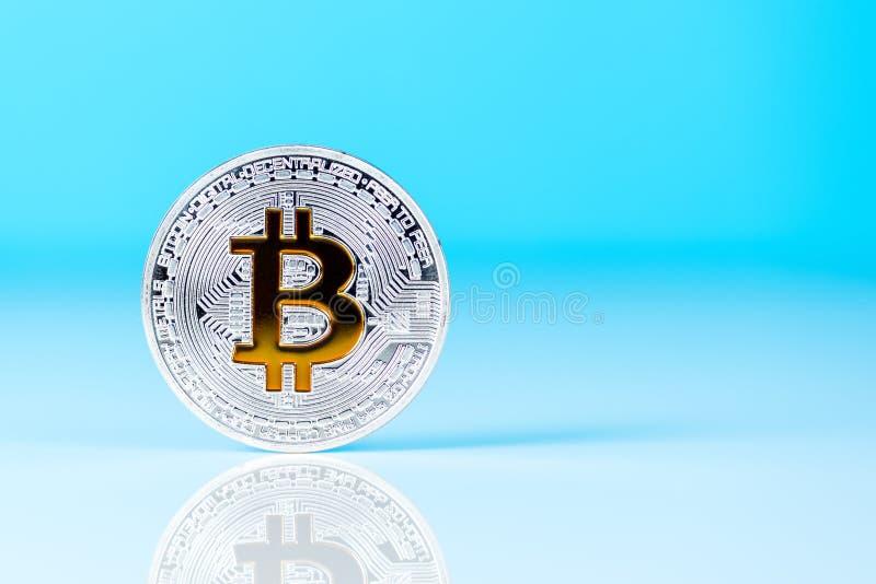 Bitcoinmuntstuk - wereldcrypto munt Financiële tendens van het jaar van 2017 en van 2018 Crypto-munt geldconcept stock afbeelding
