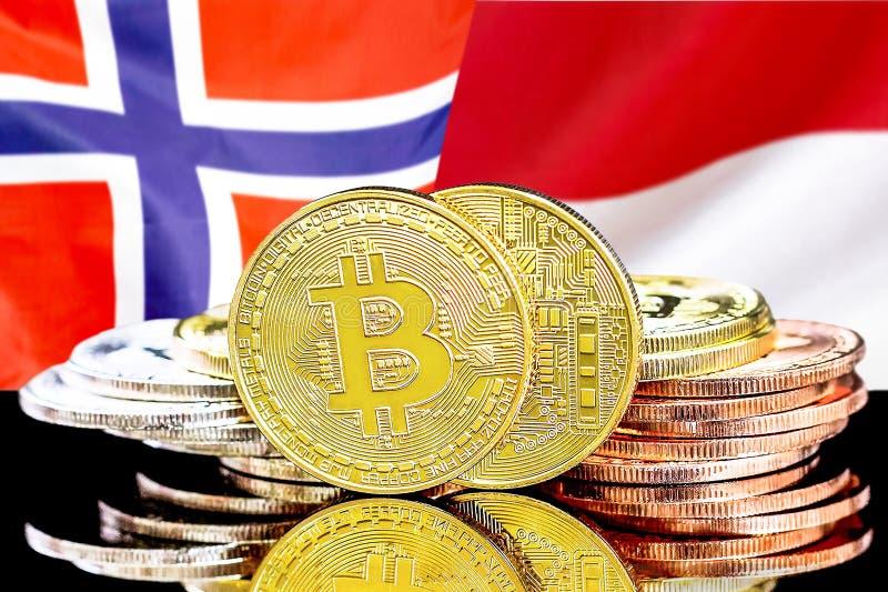 Bitcoins auf Norwegen- und Monaco-Flagge Hintergrund stockfoto