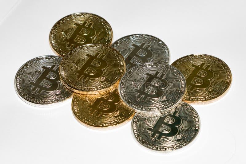 Bitcoins a empilé dans le modèle photo libre de droits