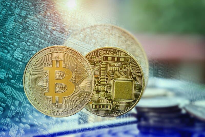 Bitcoins et d'autres marques de Digital étaient photographie stock