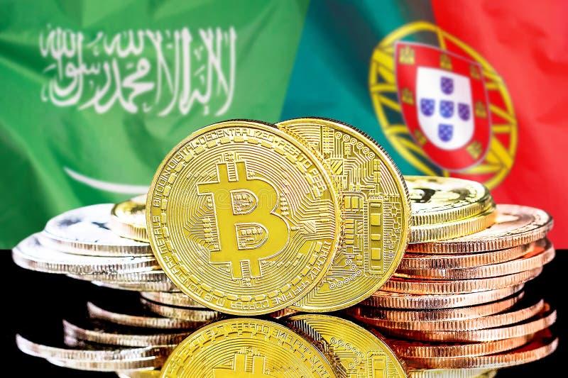Bitcoins fundo na bandeira de Arábia Saudita e de Portugal imagem de stock