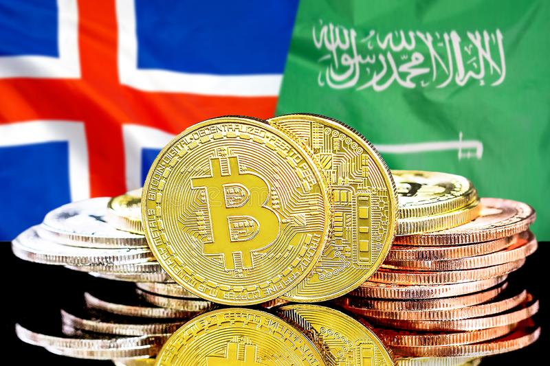 Bitcoins fundo na bandeira de Islândia e de Arábia Saudita imagens de stock