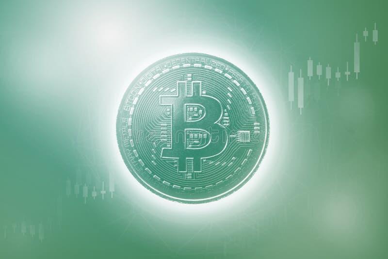 Bitcoins i Nowy Wirtualny pieniądze pojęcie Zielony bitcoin z świeczka kija wykresu mapą i cyfrowym tłem Złota moneta z ikoną zdjęcia royalty free