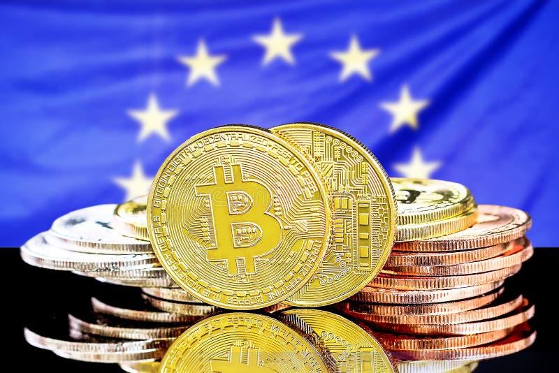 Bitcoins no fundo da bandeira da Uni?o Europeia ilustração stock