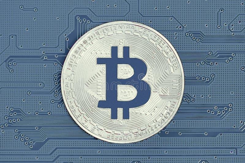Bitcoins och nytt faktiskt pengarbegrepp Bitcoin ?r en ny valuta royaltyfri foto