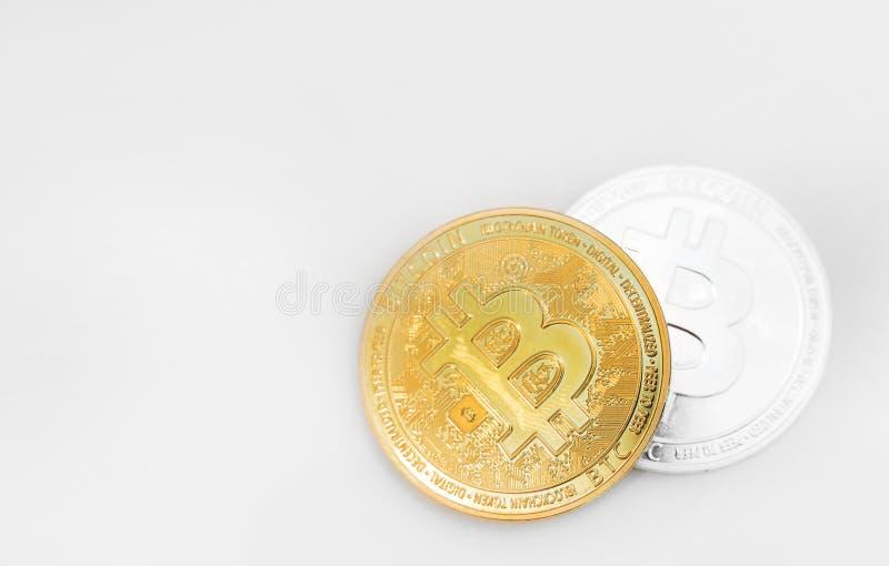 Bitcoins op witte Achtergrond stock afbeelding
