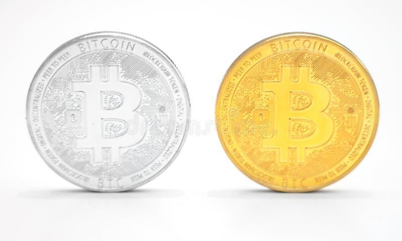 Bitcoins op witte Achtergrond stock foto's