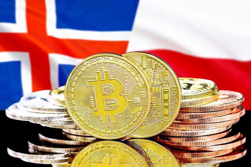 Bitcoins på Island och Polen flaggabakgrund royaltyfri fotografi