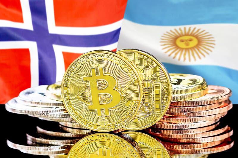 Bitcoins på Norge och Argentina flaggabakgrund royaltyfria foton