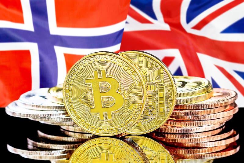 Bitcoins på Norge och UK-flaggabakgrund fotografering för bildbyråer