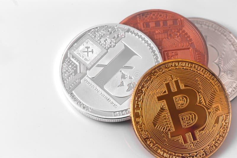Bitcoins y Litecoin imagen de archivo libre de regalías