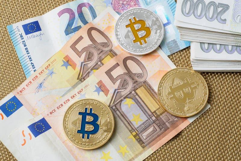 Bitcoins zakończenie na euro waluty tle zdjęcie royalty free
