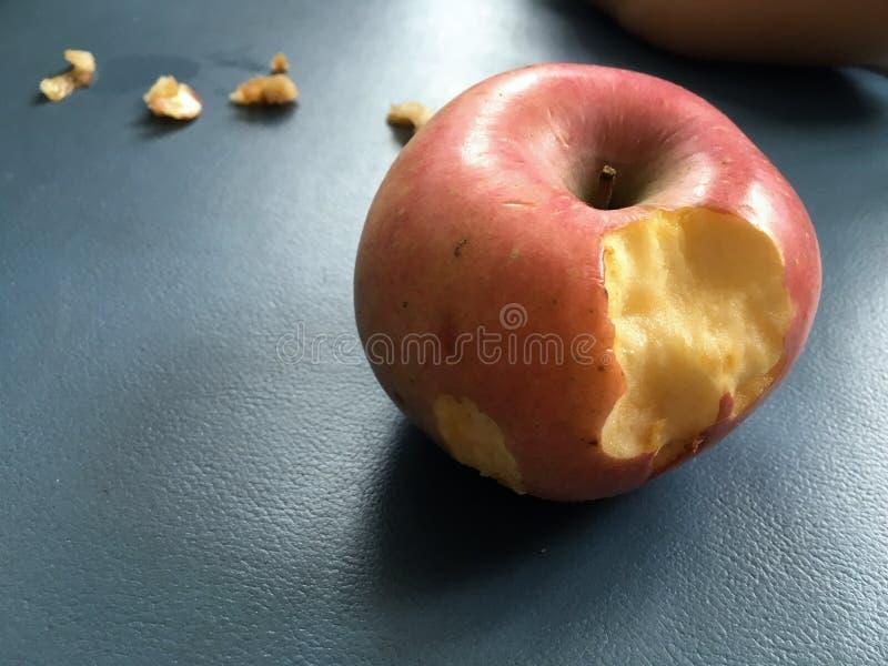 bitit äpple arkivfoton