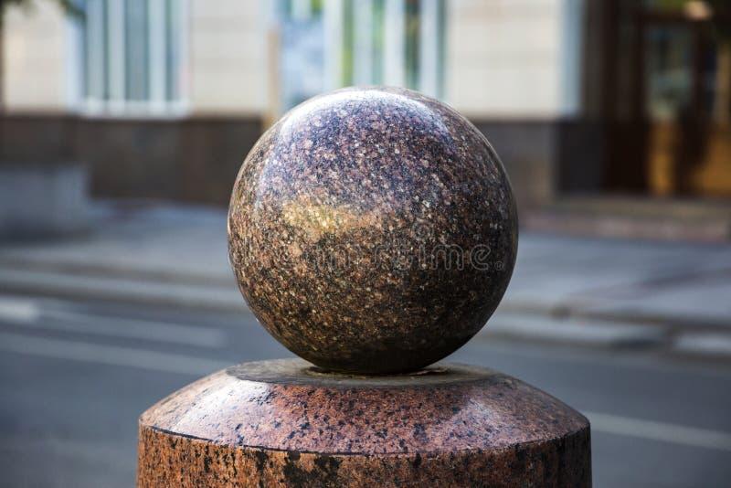 Bitte della pietra della palla della sfera fotografia stock libera da diritti
