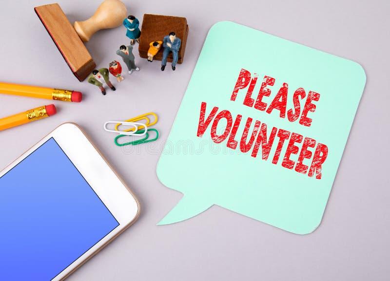 Bitte Freiwilliger Die goldene Taste oder Erreichen für den Himmel zum Eigenheimbesitze stockbild
