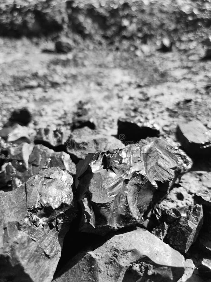 Bitumiczny węgiel, czarny i biały fotografia obrazy stock