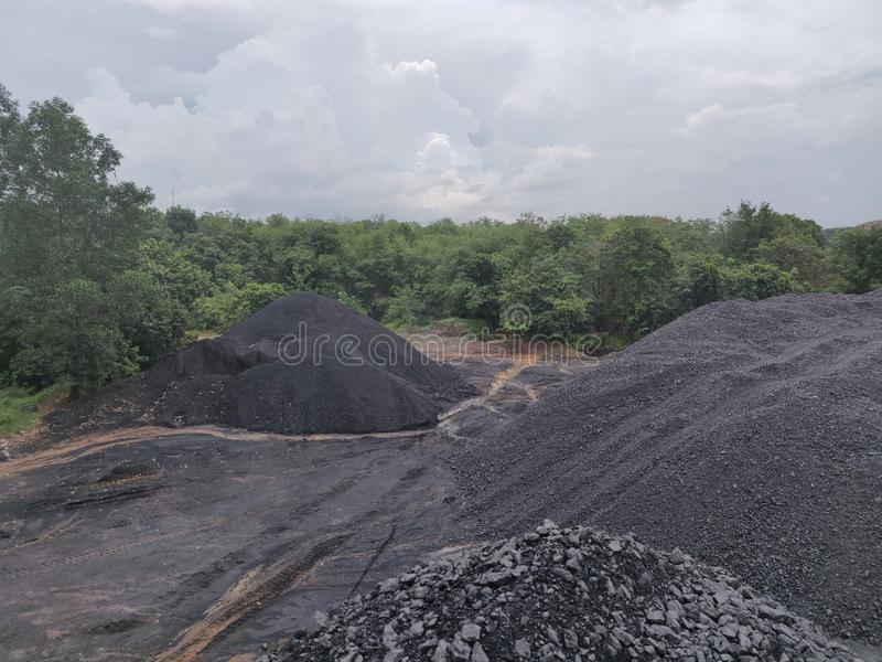 Bituminöst - antracitkol, kol för hög kvalitet arkivbild