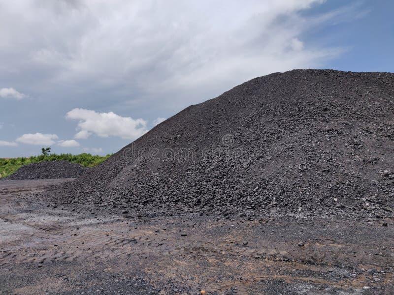 Bituminöst - antracitkol, kolförråd för hög kvalitet royaltyfria foton