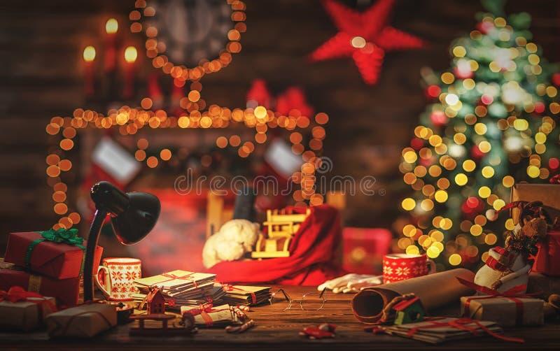 Biurko Święty Mikołaj w bożych narodzeniach fotografia royalty free