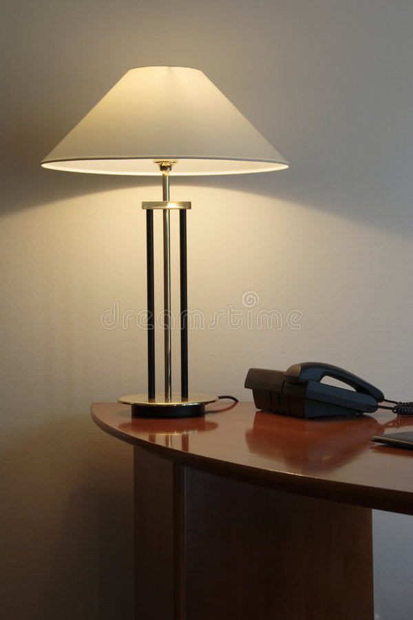 biurko lampy urzędu fotografia stock