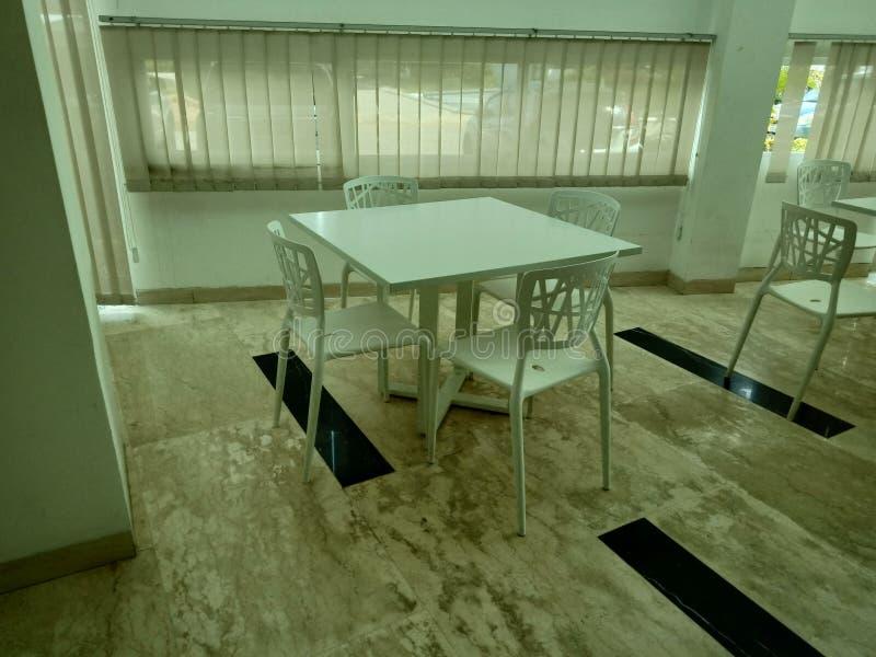 Biurko stół przed od strony obrazy stock