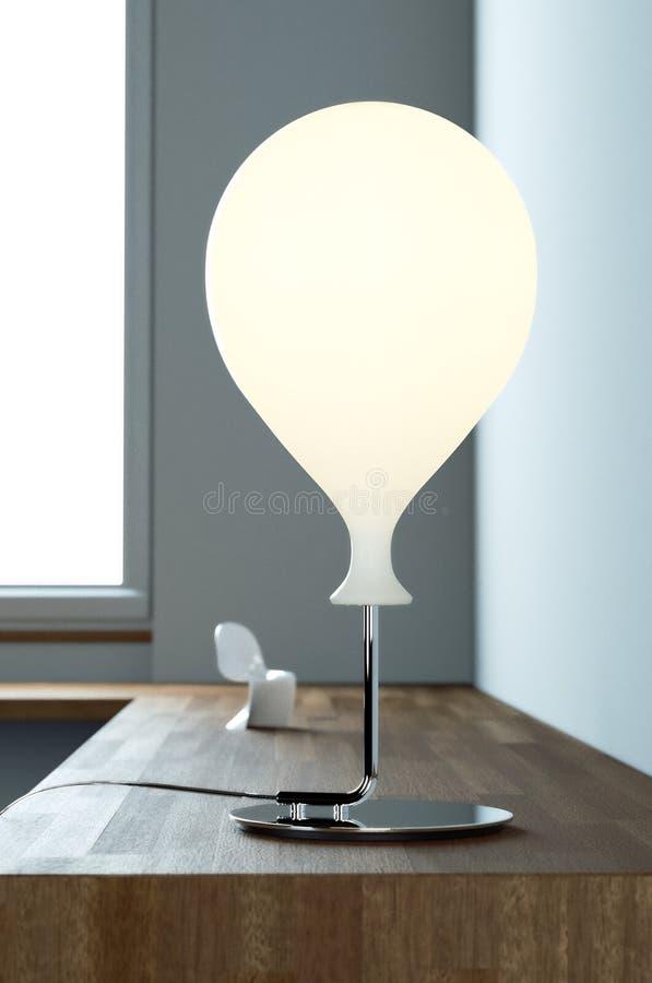 biurko współczesnej lampy fotografia royalty free