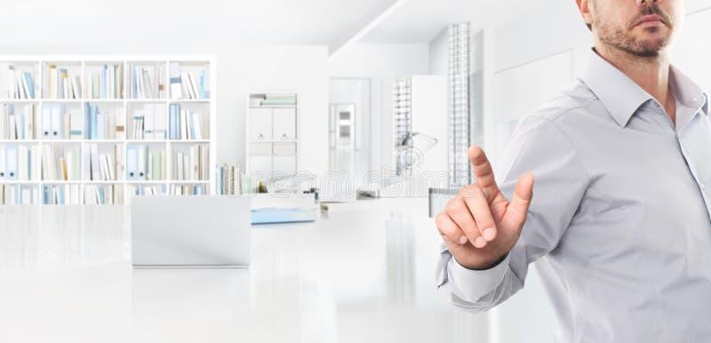 Biurowy biznesowy pracy pojęcie, ręka dotyka ekran, sieć sztandar i fotografia royalty free