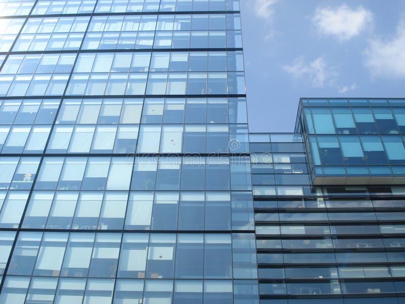 Biurowy nowożytny szklany budynek zdjęcie royalty free