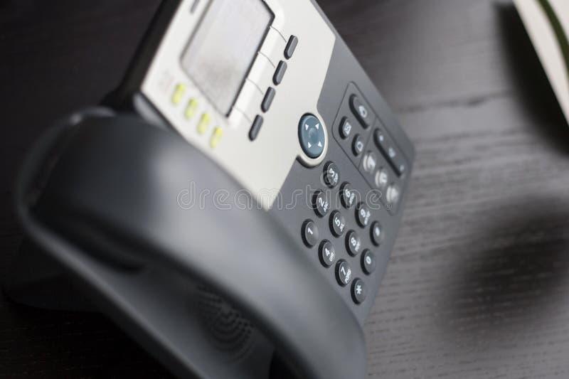 Biurowy telefon na biurku zdjęcia royalty free