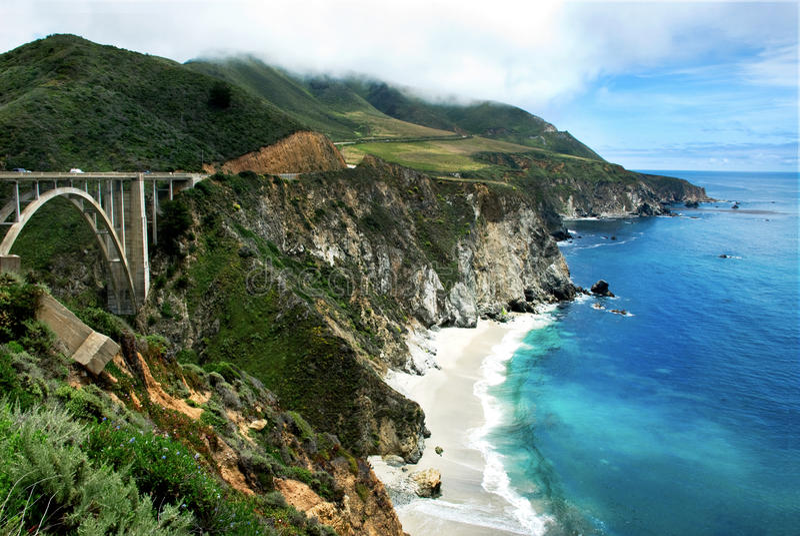 Bixby Brücke auf Kaliforniens großem Sur stockbilder