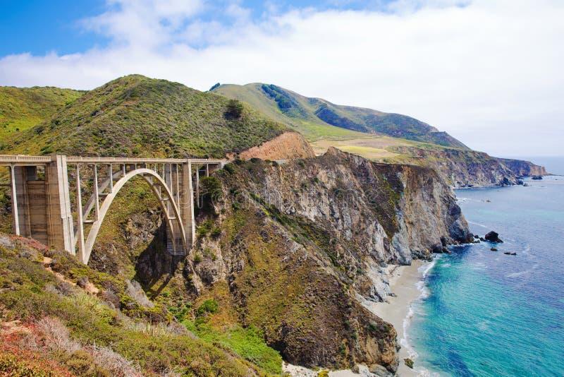 Bixby most na Kalifornia s Duży Sura fotografia royalty free