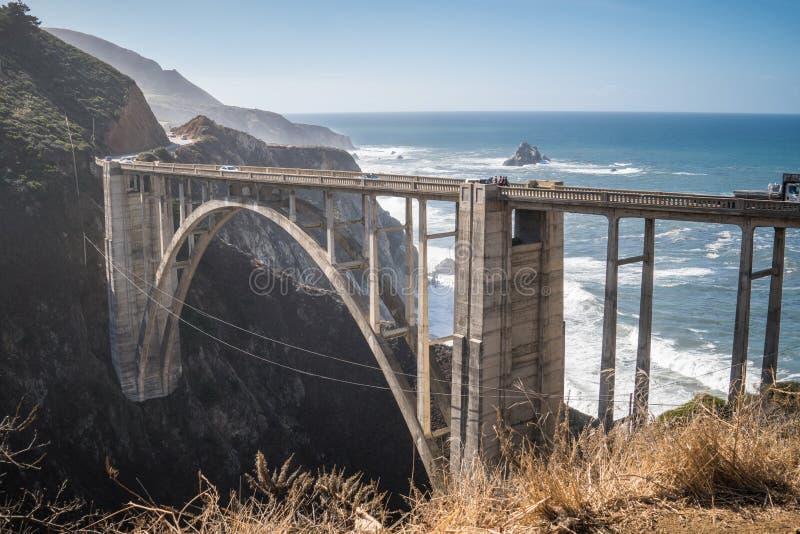 Bixby most w big sur Kalifornia, jest jeden słynni punkty zwrotni na wybrzeże pacyfiku autostradzie także znać jako Kalifornia obraz royalty free