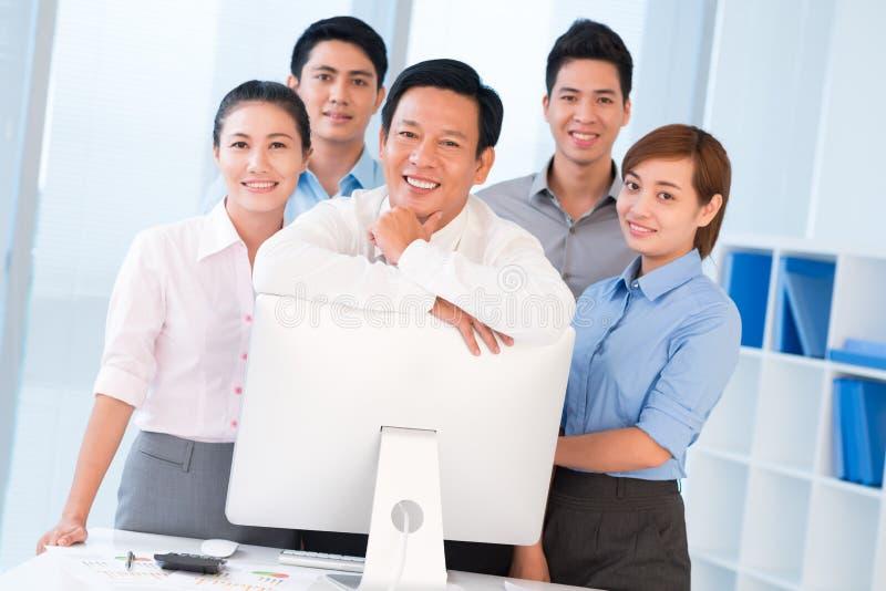 Biznes drużyna i swój lider zdjęcie royalty free