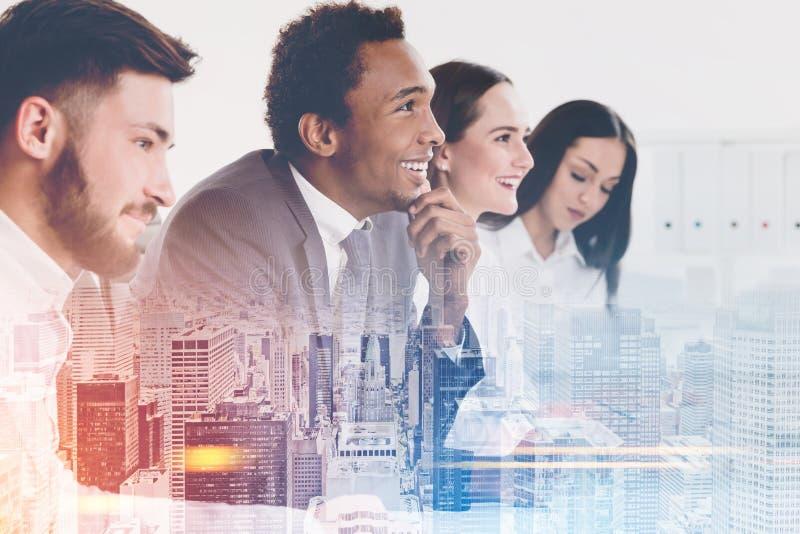 Biznes drużyna w miasta biurze obrazy royalty free