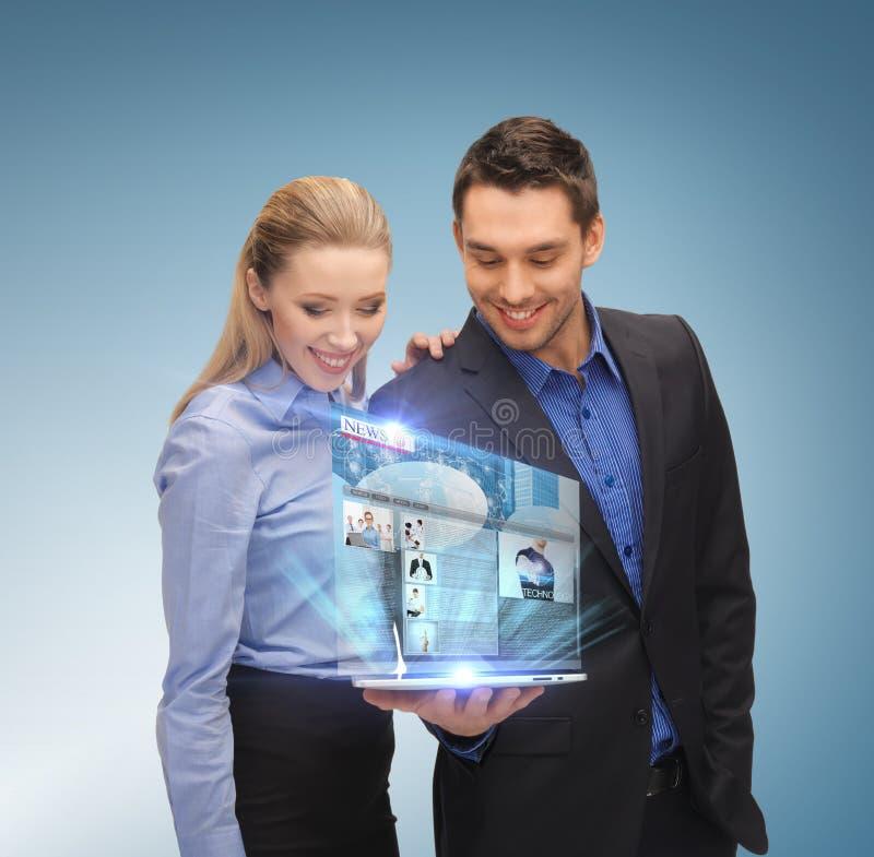 Biznes drużyna z pastylka komputerem osobistym zdjęcia royalty free