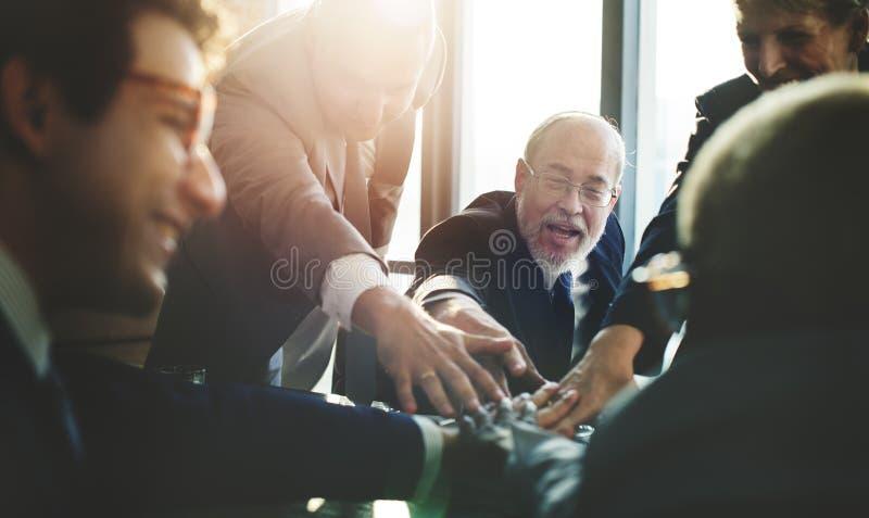 Biznes drużyny poparcie Łączy ręki pojęcie obraz stock