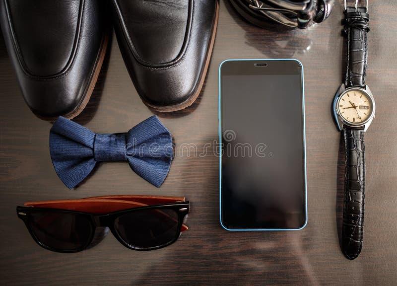 Biznesmenów akcesoria Mężczyzna ` s styl Mężczyzna ` s akcesoria: Mężczyzna ` s motyl, mężczyzna ` s buty, mężczyzna ` s zegarki obrazy royalty free